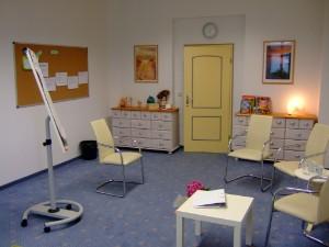 Unsere Praxisräume sind hell und freundlich eingerichtet und eignen sich bestens für Seminare mit bis zu 10 Teilnehmern.